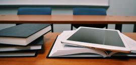 libri e un tablet