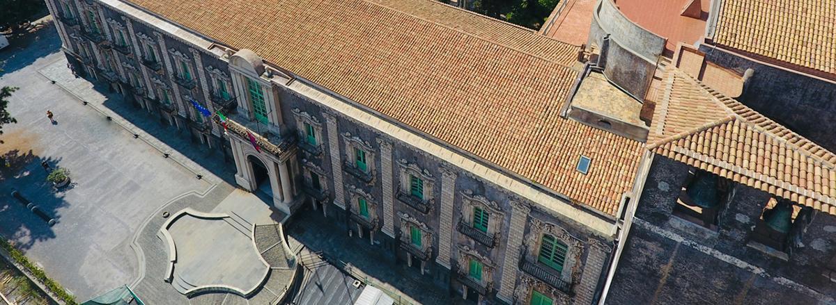 L'ingresso del Monastero dei Benedettini ripreso dall'alto
