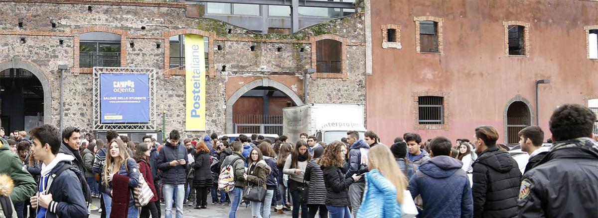 Studenti al Salone delle Ciminiere Catania
